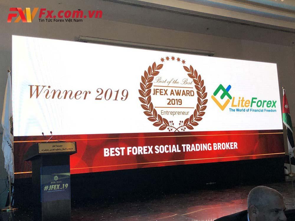 Sàn LiteFinance vinh dự nhận giải sàn Forex có Mạng Xã Hội Giao Dịch – Copy Trade (sao chép lệnh) tốt nhất thế giới