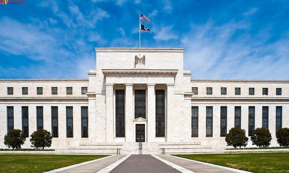 Fed cân nhắc việc mua cổ phiếu hỗ trợ nền kinh tế Mỹ