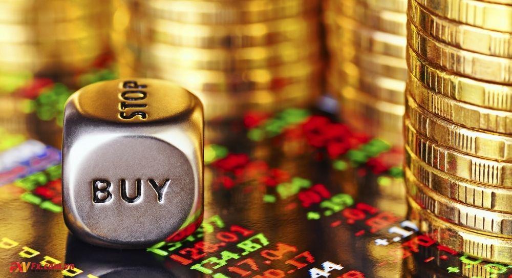 Quyết định mua hoặc bán trong Carry Trade