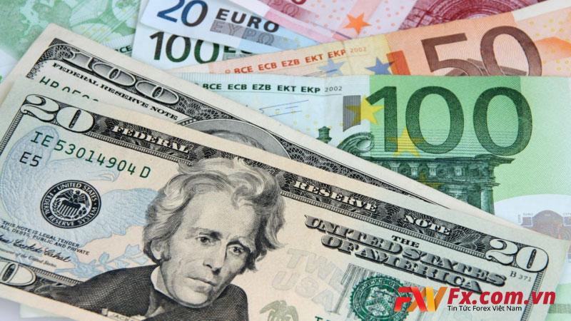 Đô la Mỹ trượt dài khi so với đồng tiền chính khác