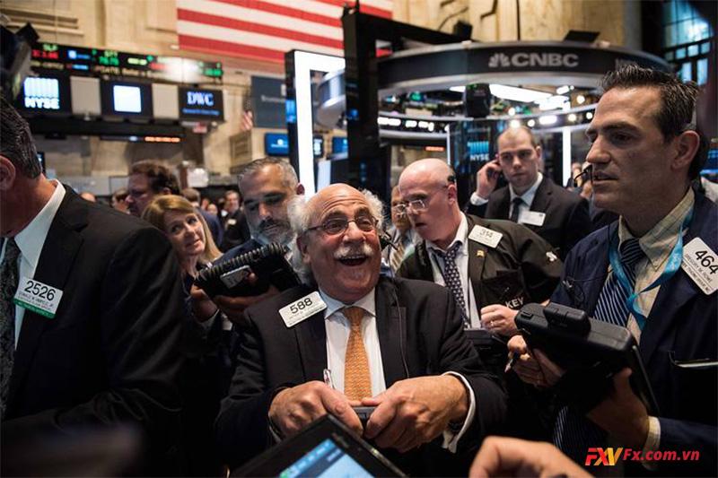Hợp đồng tương lai cổ phiếu cao hơn sau tuần tốt nhất kể từ tháng 11