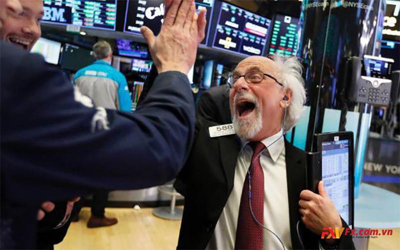 Cổ phiếu tiếp tục tăng cao hơn
