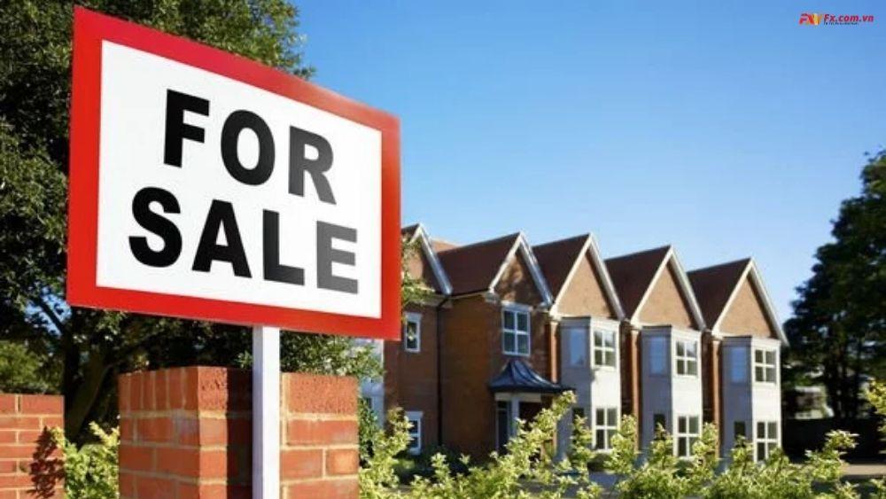 Giá nhà tăng gần 2.500 bảng trong tháng này