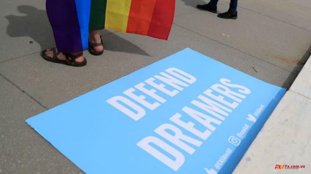 Hạ viện Hoa Kỳ chấp thuận các biện pháp bảo vệ cho những người nhập cư