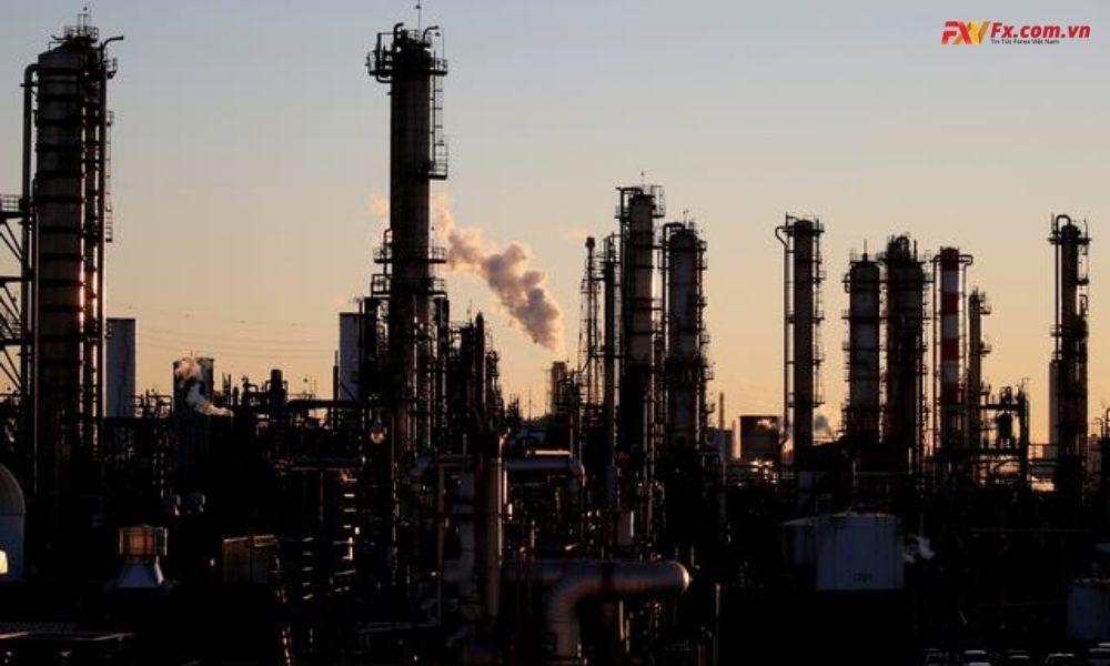 Sản lượng nhà máy của Nhật Bản giảm