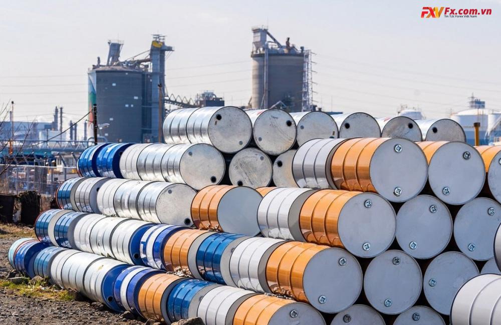 Giá dầu thô tăng lên mức cao nhất gần 3 năm