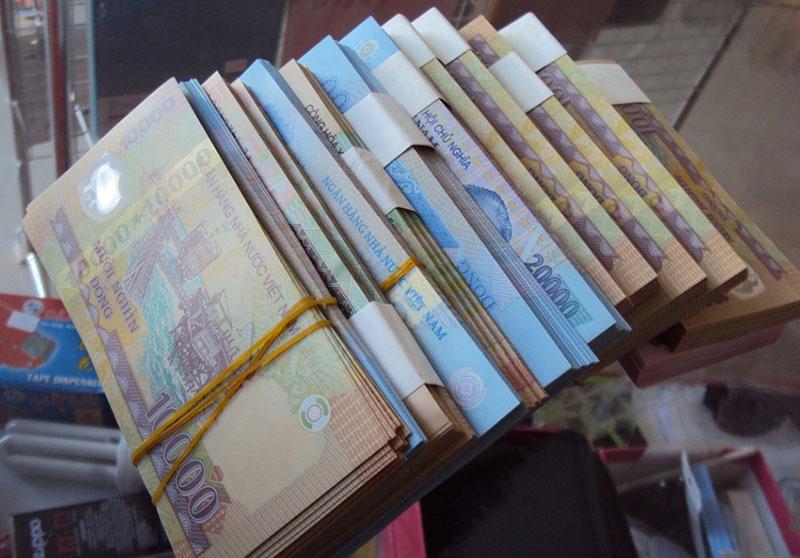 Bạn nên đổi tiền lẻ ở đâu?